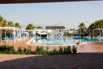 resort-baiamalva-piscina