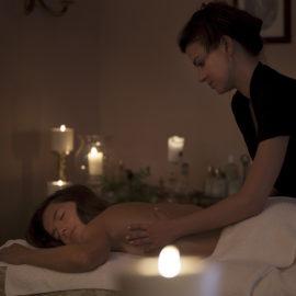 Rituale massaggio al Falconiere Relais SPA